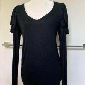 ⭐️We the Free⭐️Cute Ruffled sleeve top